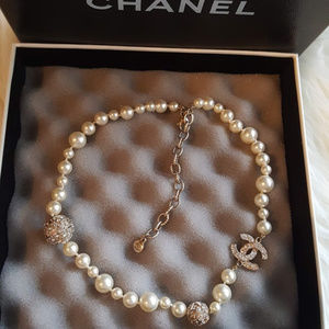 Chanel CC graduated pearl choker/necklace